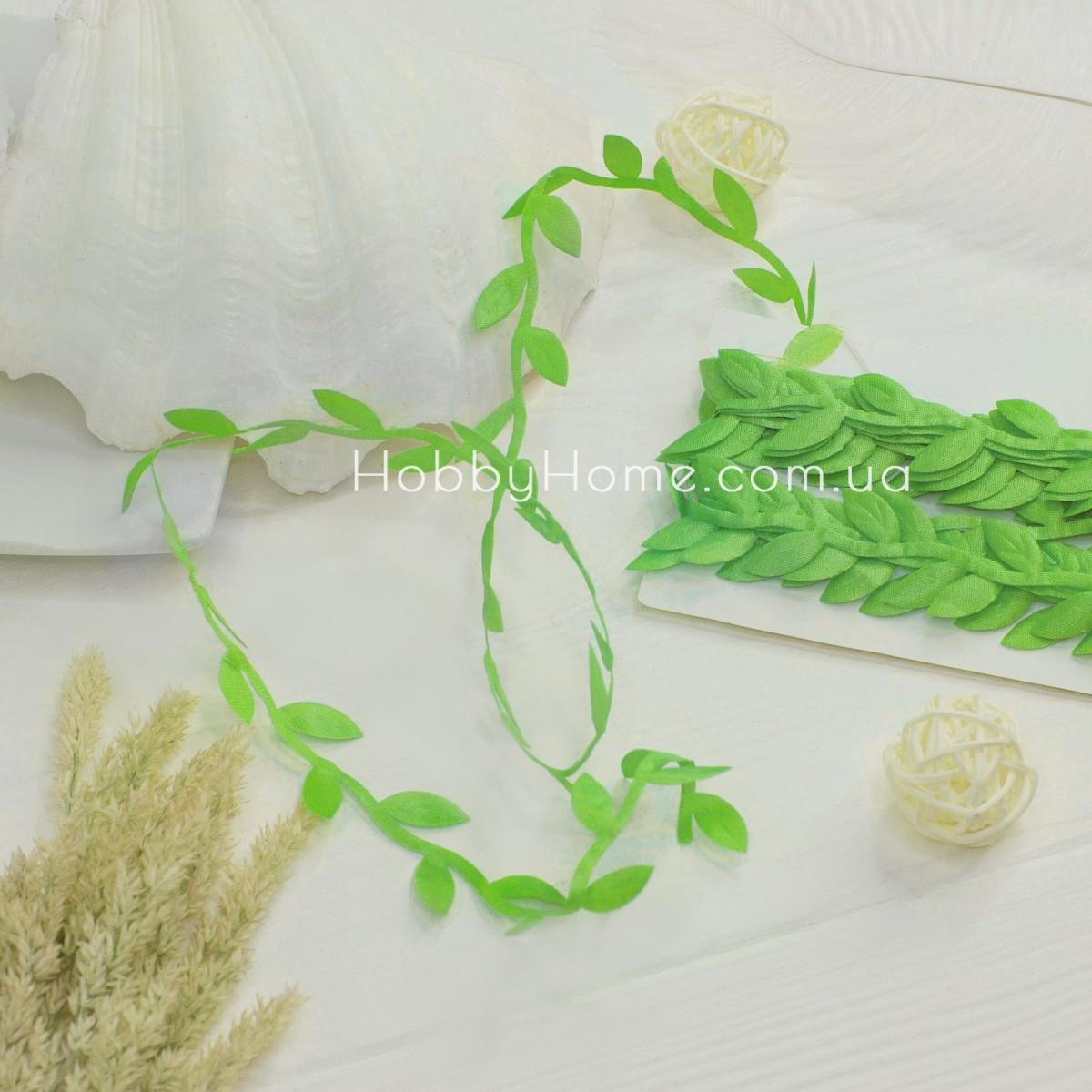 Грецька стрічка з листочками , світло зелена