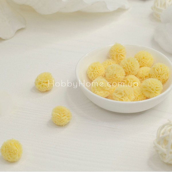Помпоны фатиновые 1,5см , желтые
